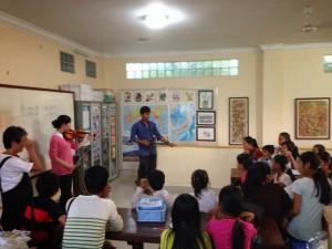 演奏会@カンボジアの日本語学校